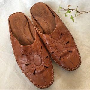 Vtg Leather Sunburst Mules